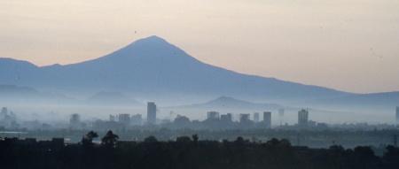 Mexico City air quality in 1980 (Photo: Tony Burton)