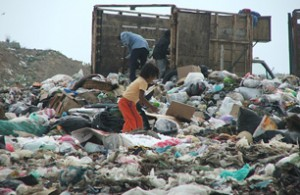 Garbage recycling at Oaxaca City dump