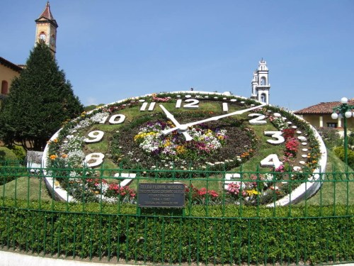Musical floral clock in Zacatlán