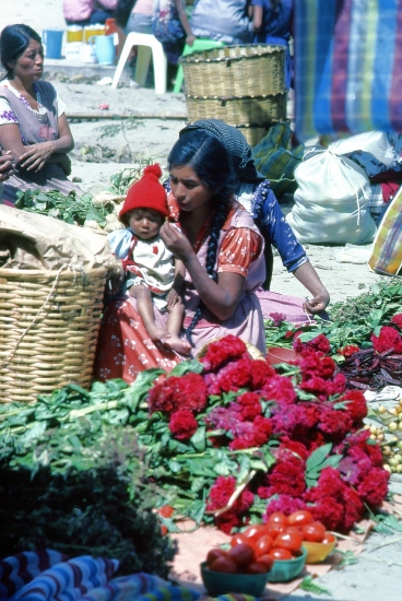 Mother and child in a Mexican market