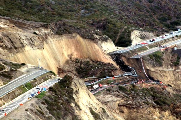 tijuana-ensenada road collapse